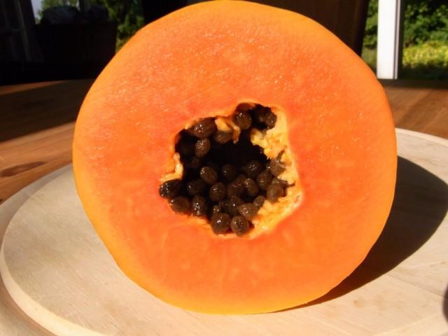 Papaya_angeschnitten
