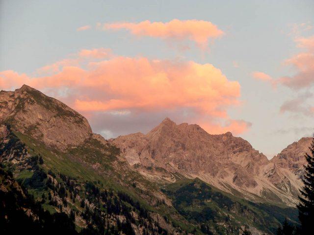 Berge_in_der_Abenddaemmerung_2