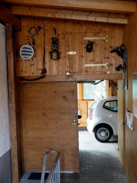 Blick_in_eine_Garage
