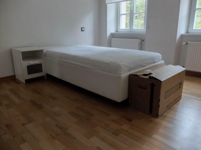 Zimmer_mit_Bett